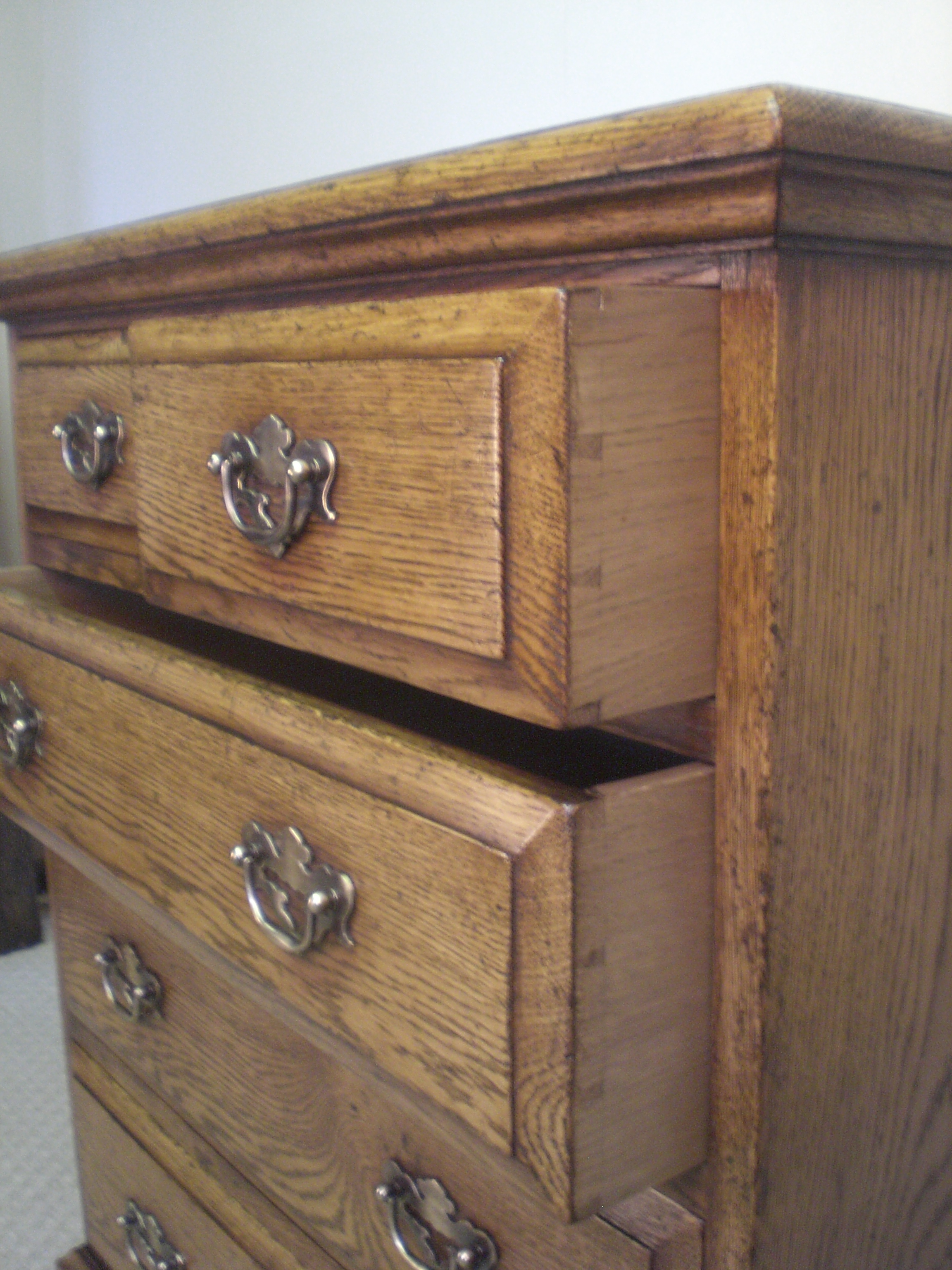 dovetail joint dating furniture A dovetail joint or simply dovetail is a joinery some of the earliest known examples of the dovetail joint are in furniture entombed with mummies dating from.